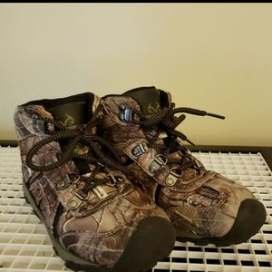 🍁 REALTREE Camo Boots Size 2.
